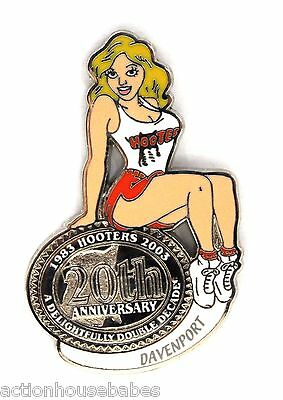 HOOTERS RESTAURANT 20th ANNIVERSARY GIRL DAVENPORT LAPEL BADGE PIN