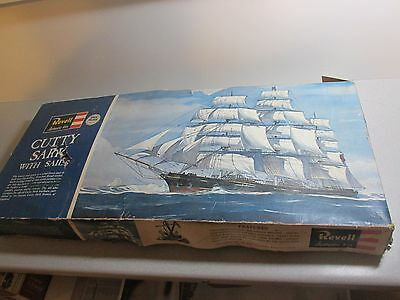 """HUGE!! 1964 CUTTY SARK with SAILS Plastic Model Kit by REVELL -Box is 30""""  1:96"""