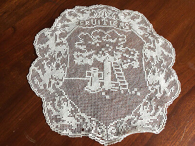 Antique French Handmade Figural Net Lace Doily Fruitiers Arborist Profession