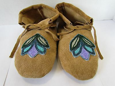 Authentic Native American Moccasins,hand Made Leather Beaded Flower 9.5 Inches