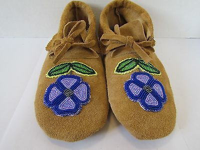 Traditional Native American Moccasins,hand Made Leather Beaded Flower 9.5 Inches
