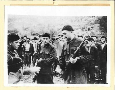 1943 Russian Guerrillas Being Armed From Why We Fight Original Press Photo