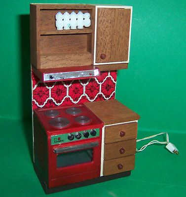 VINTAGE 1970's LUNDBY DOLLS HOUSE RED TILE KITCHEN COOKER WITH TWO LIGHTS