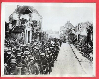 WWI German Troops in Somme Town in 7x9 WWII Original 1944 News Photo