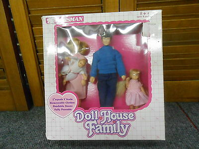 Vintage Horsman Doll House Family
