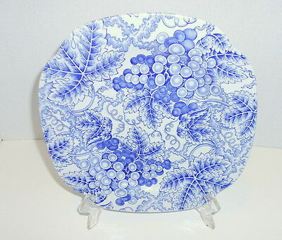 Spode The Blue Room Collection GRAPES  Square Luncheon Plates  England