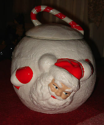 VTG CHRISTMAS SANTA in A SNOWBALL CERAMIC COOKIE JAR CANDY CANE LID HANDLE