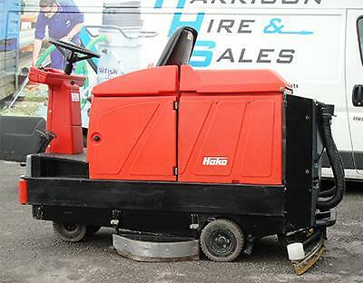 Hako 910 Reconditioned Scrubber Dryer with NEW batteries