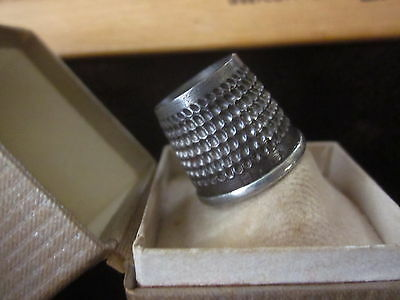 "Vintage open top ""ENGLAND 3"" vintage metal thimble in original box holder stand"