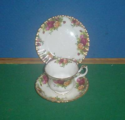 Royal Albert Old Country Roses Bone China Cup, Saucer & Side Plates
