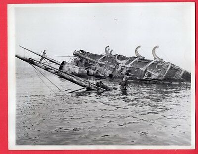 1942 Australian Transport Sunk by Japanese at Port Moresby Original News Photo