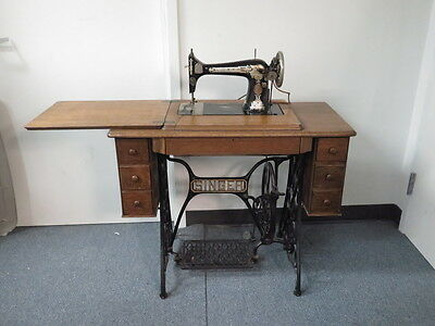 Antique 1910 Singer Sewing Machine w/ Treadle Cabinet Local Pickup Only