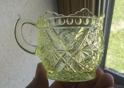 "ORIGINAL 1880s DAISY & BUTTON WITH V ORNAMENT EAPG VASELINE GLASS 3 1/8""CREAMER"