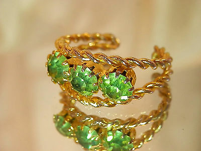 Sparkling Lime Rhinestones Vintage 1970's Gold Tone Adjustable Ring Size  327jn7