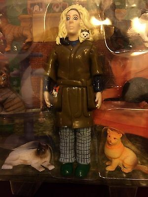 Crazy Cat Lady action figure With 6 Cats By Accoutrements New Weird
