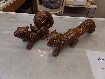 2 Scampering Squirrels Lawn / Garden Ornament Dark Brown