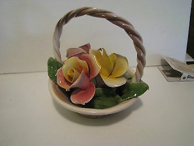 Lovely Capodimonte Basket of Flowers    5 inches across