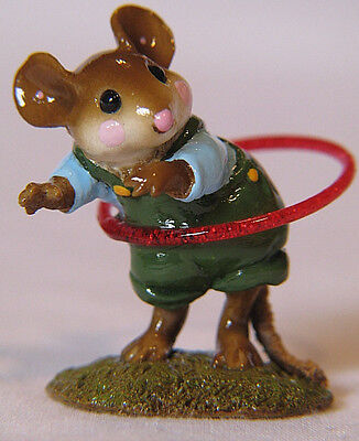 2004 William Petersen Wee Forest Folk Hipster Mouse Havin Fun With Hula Hoop