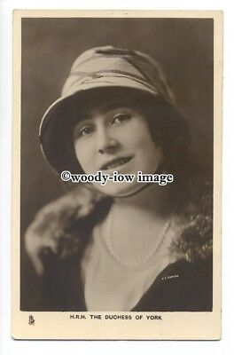 r1258 - The Duchess of York - ( Elizabeth Bowes-Lyon ) - postcard