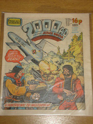 2000Ad #227 British Weekly Comic Judge Dredd Aug 1981 *