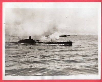 1940 Mass Display of 85 Italian Submarines Bay of Naples Italy 7x9 News Photo