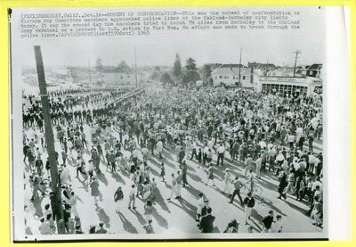 1965 Anti-Vietnam Protesters Moment of Confrontation Berkeley Oakland Wirephoto