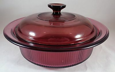 Corning Vision Cranberry 1.5 Quart V-32-B Ribbed Casserole With Lid