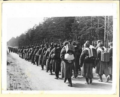 1942 Russian Infantry Reserves Moving to Front 7x9 Original Press Photo