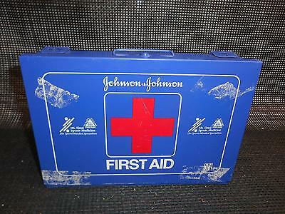 Old Vtg JOHNSON & JOHNSON Blue Metal FIRST AID KIT Box #8161 Advertising