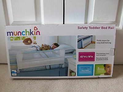 New Munchkin Toddler Safety Bed Rail~ White With  Blue Rail Trim~Nib  #1