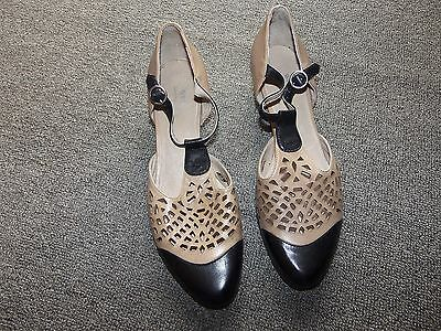 SPRING STEP Taupe / Black Leather T Strap Heels Shoes 38  US  7.5 - 8