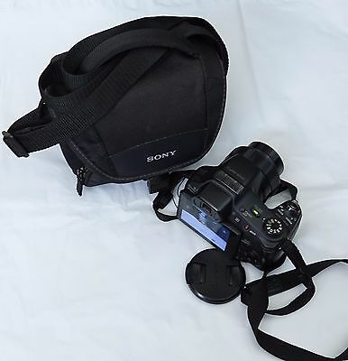 Sony DSC-HX200V Cyber-Shot 18.2MP Digital Camera w carry on bag,straps,battery