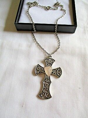 "Silver Costume Cross With Agate Stone 17"" Chain Necklace"