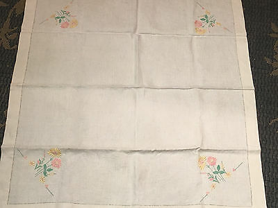 large vintage hand embroidered on linen tablecloth 50x50 inches picclick uk. Black Bedroom Furniture Sets. Home Design Ideas