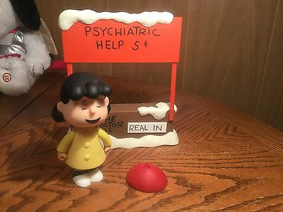 "Memory Lane Peanuts Christmas Lucy Van Pelt ""The Dr is In"" Playset."