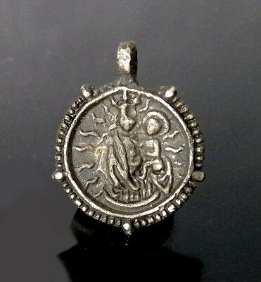 Tudor Period Pewter Double Sided Pendant Of Crucifixion (L220)