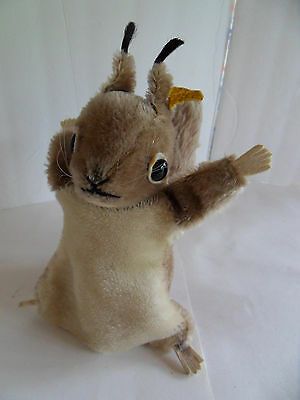 Steiff squirrel hand puppet mohair button flag made in Germany 2242
