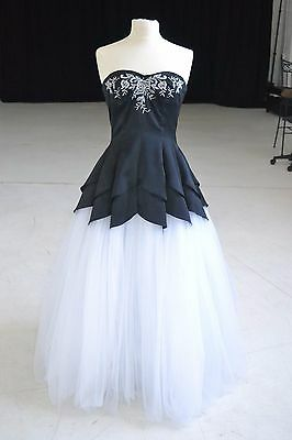 Black and White Embroidered Size 8 Formal Evening Prom Pageant Dress Ball Gowns