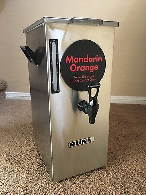 Bunn 4 Gallon Square Iced Tea Dispenser with Brew Thru Lid TD4T