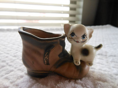 Vintage Kitten on Shoe Figurines - Enesco Japan!