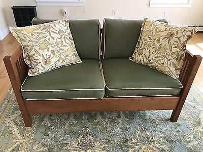 Fine STICKLEY Arts & Crafts Mission Style Cherry Spindle 89-290 Loveseat