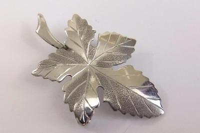 Beautiful Hallmarked Sterling Silver Detailed Leaf Pin Brooch WBs 1977 #3140