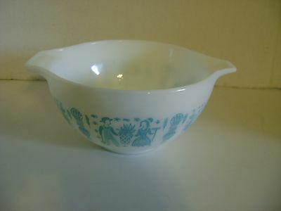 Vintage Pyrex Amish Bowl1 And 1/2 Pint #441