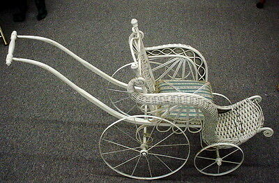 Antique Vintage White Wicker Baby/ Doll Carriage/stroller/buggy
