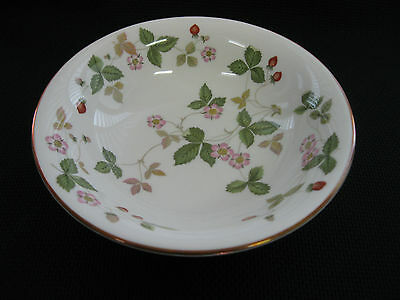 "Wedgwood WILD STRAWBERRY  Bone China 6"" Cereal / Soup Bowl with Gold Rim"