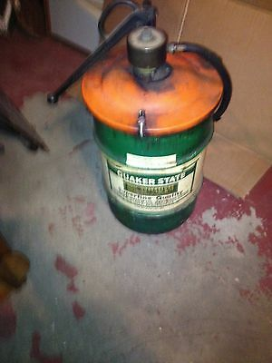 Vintage Quaker State Quadro Lube Gear Oil Drum & Lid with Cast Iron ARO Pump