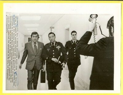 1969 Vietnam My Lai Massacre Captain Medina with Attorney Wirephoto
