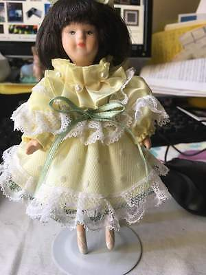 """Ballerina Doll 7"""" w/stand moveable head arms legs Yellow and white lace dress"""