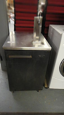 Kegerator 4 1 keg beer, works ready to go everything seen all needed 4 set up.