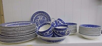 Kw-48 Ridgway Blue Willow China England Plates Bowls Cups Serving Bowl 48 Pieces